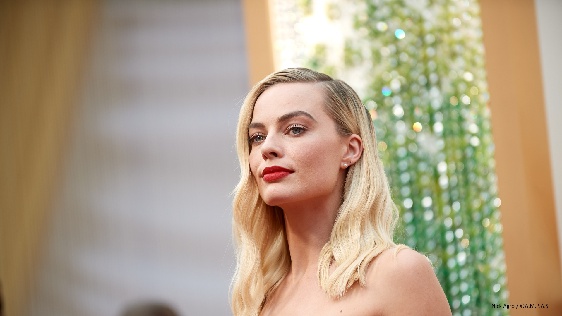 Margot Robbie arrives on the red carpet of The 92nd Oscars® at the Dolby® Theatre in Hollywood, CA on Sunday, February 9, 2020.
