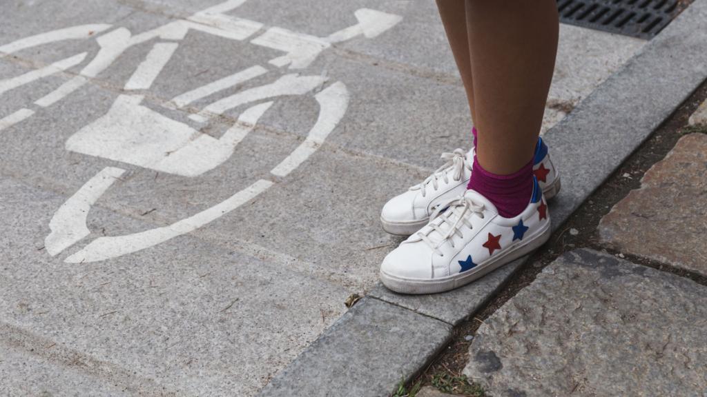 Súmate a la tendencia del momento: las zapatillas blancas que querrás tener esta temporada