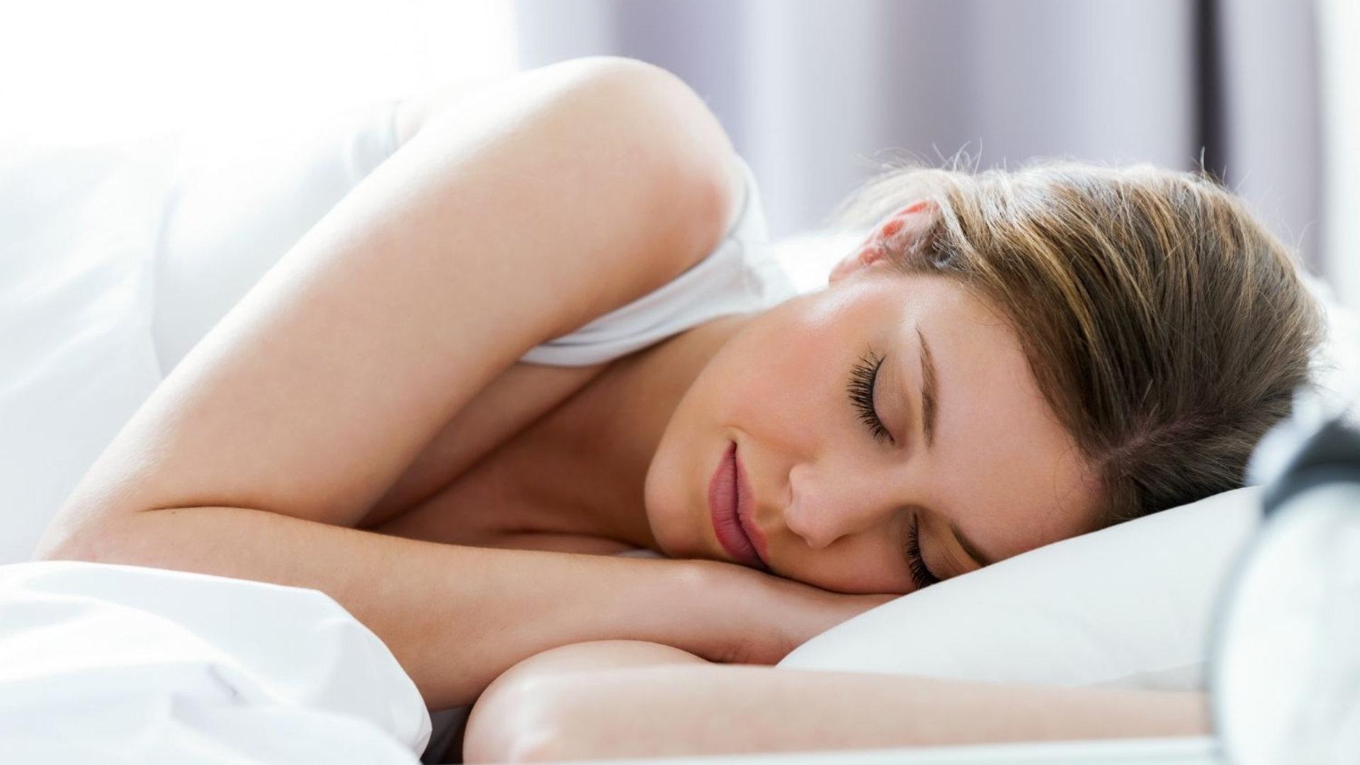 Consejos para que el cambio de hora no afecte a tu sueño; por Rocío Escalante