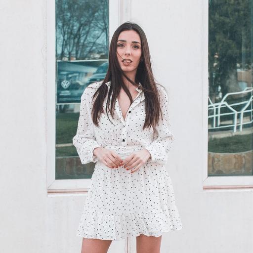 Inma Serrano, influencer y youtuber de moda