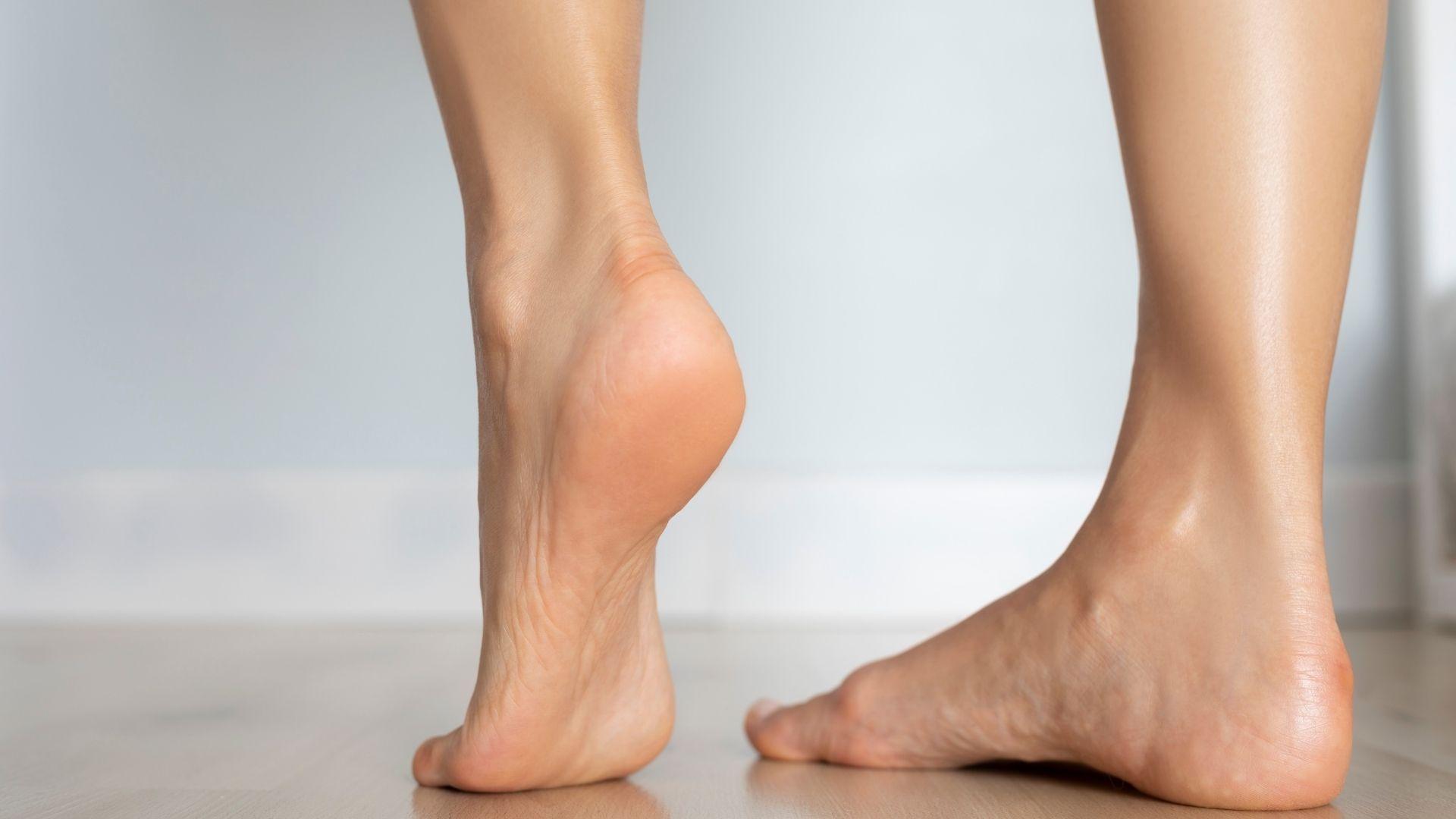 Cuida tus pies con esta rutina infalible